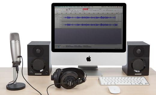c01u-pro-podcast-desk-2.jpg
