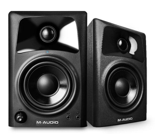 M-AUDIO AV32.jpg