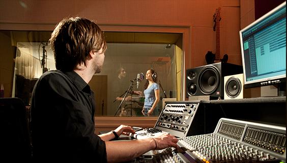 UR-RT_Studio.jpg