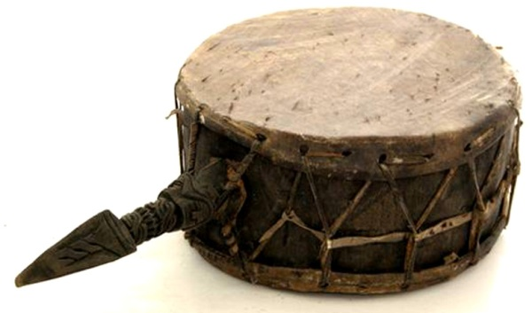 Древний-барабан-из-шкур-животных.jpg