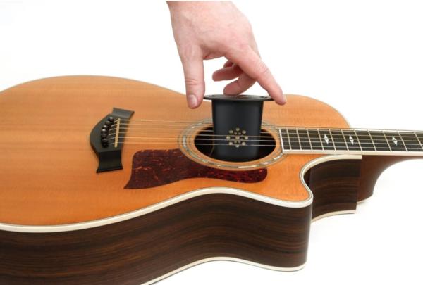 Баночный-увлажнитель-для-гитары-600x405.png