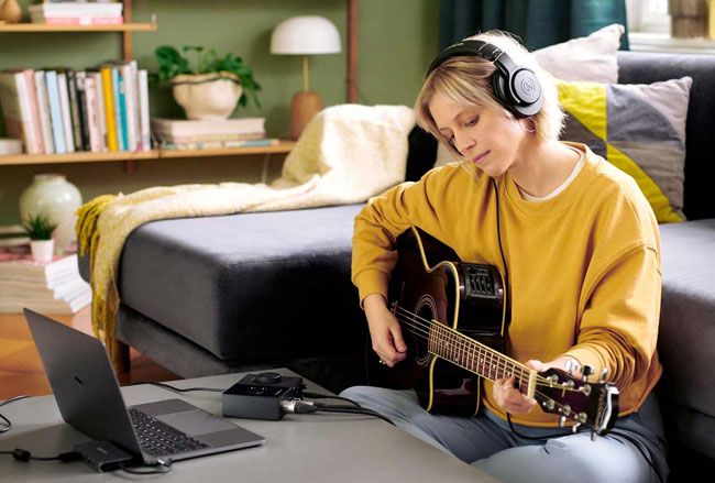 native-instruments-komplete-audio-1-2-channel-audio-interface-159.jpg
