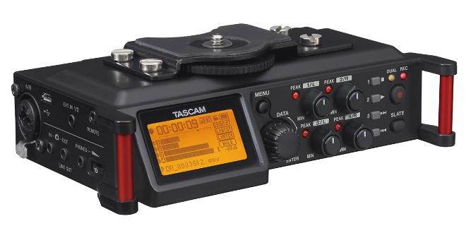 Tascam-DR-70D-front