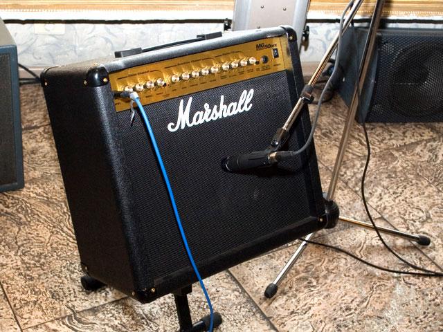 Комбоусилитель – это персональный монитор гитариста