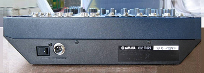 МИКШЕРНЫЙ ПУЛЬТ YAMAHA MG-124CX